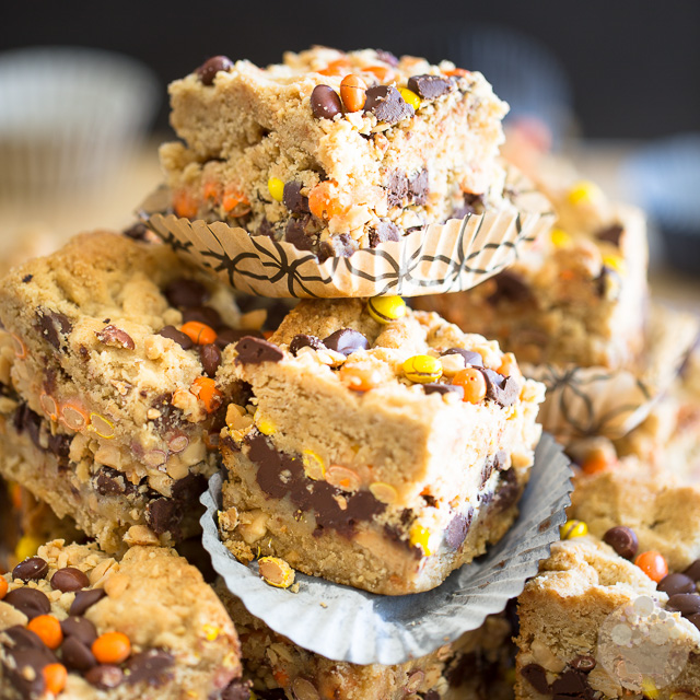 Peanut Butter Chocolate Oatmeal Bars
