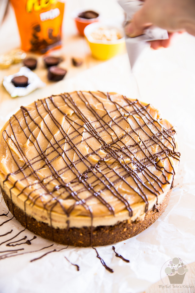 Reeses Peanut Butter Cup Cheesecake   eviltwin.kitchen