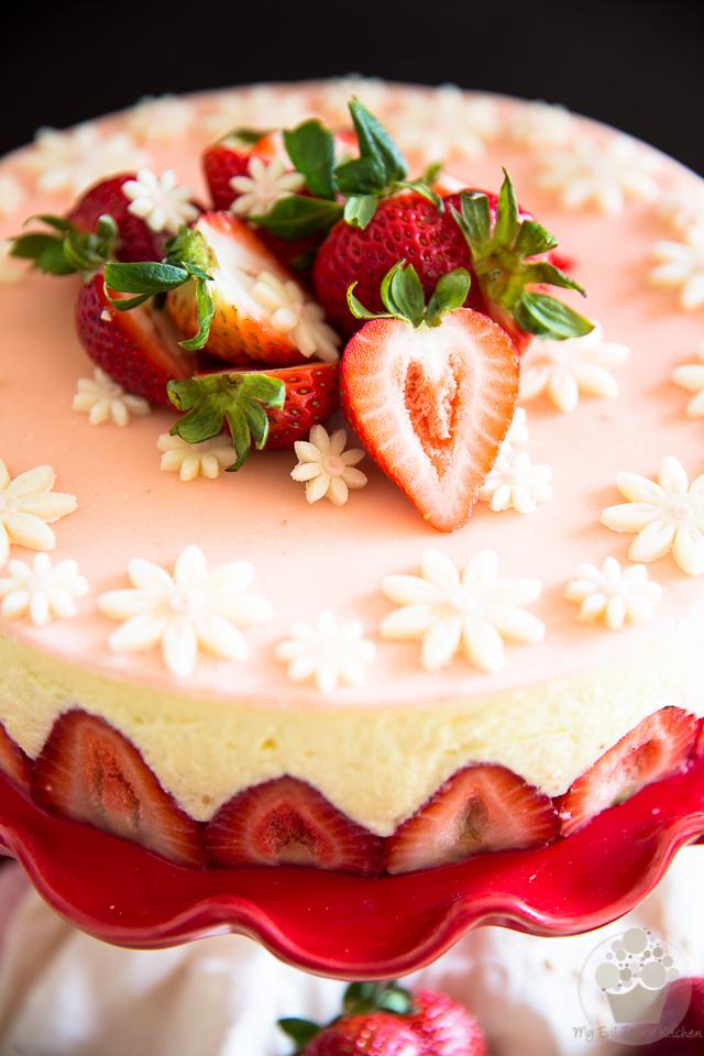 Classic Fraisier Cake | eviltwin.kitchen