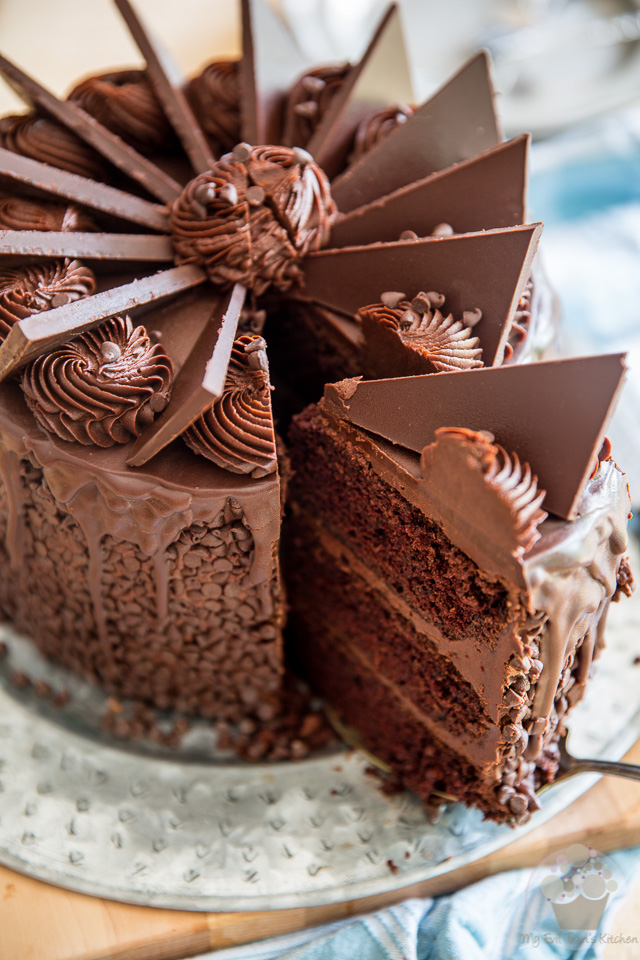 Make Chocolate Fudge Cake Topping