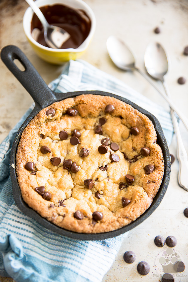Chocolate Chip Skillet Cookie for Two - a step-by-step tutorial on eviltwin.kitchen