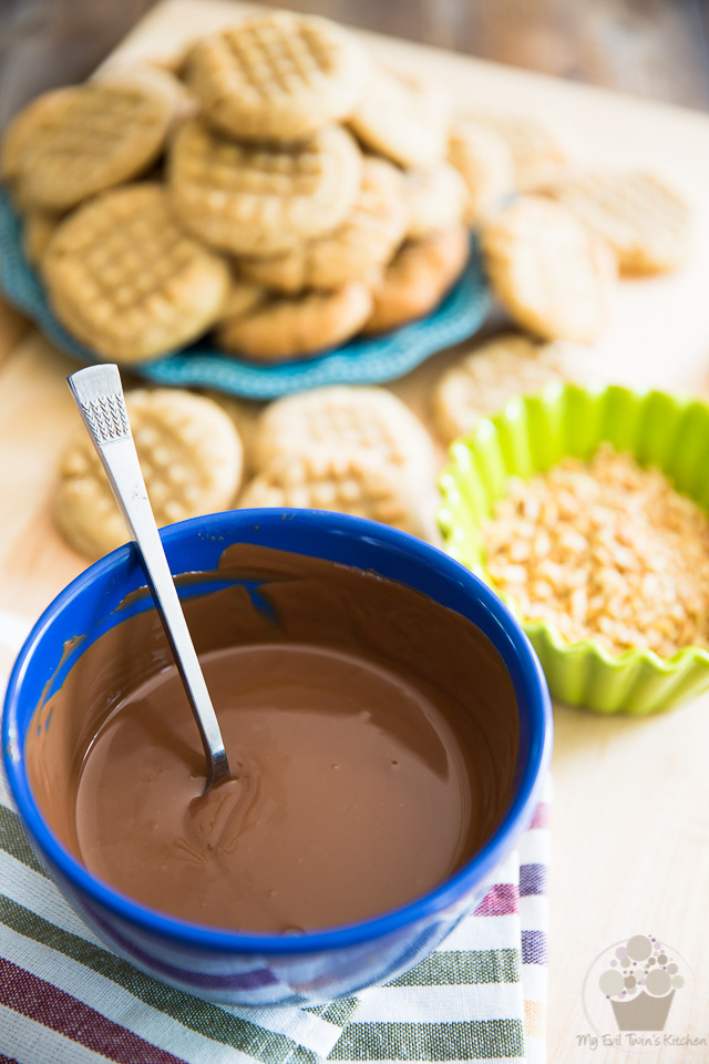 Chocolate Dipped Peanut Butter Cookies by My Evil Twin's Kitchen   Step-by-step instructions on eviltwin.kitchen