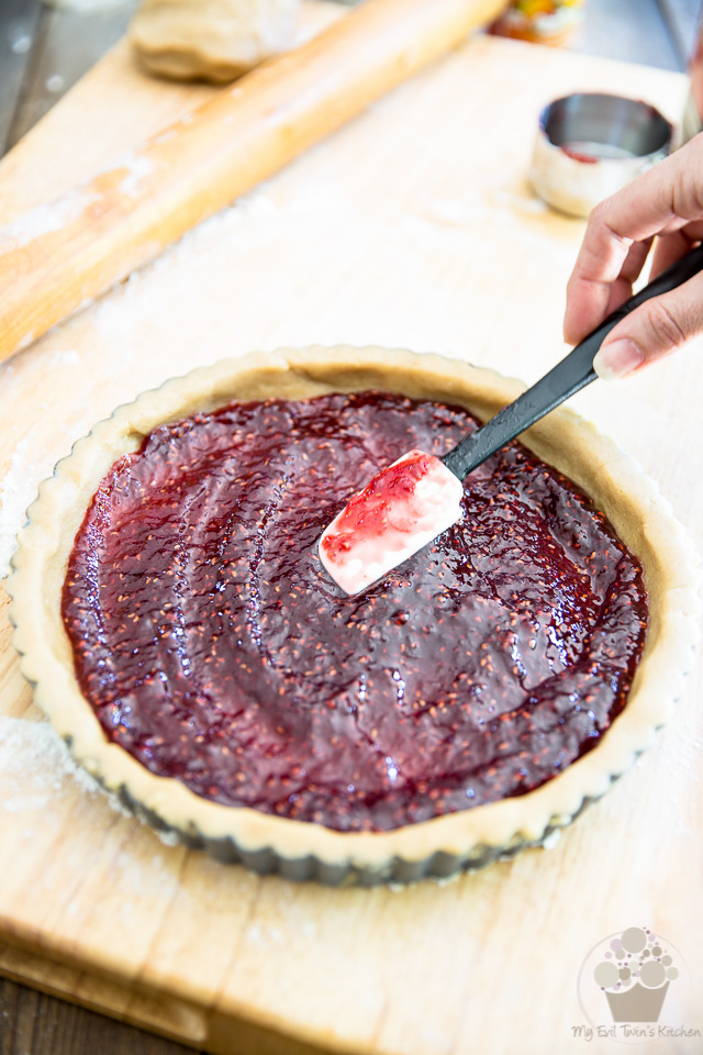 Linzer Torte by My Evil Twin's Kitchen | Step-by-step instructions on eviltwin.kichen