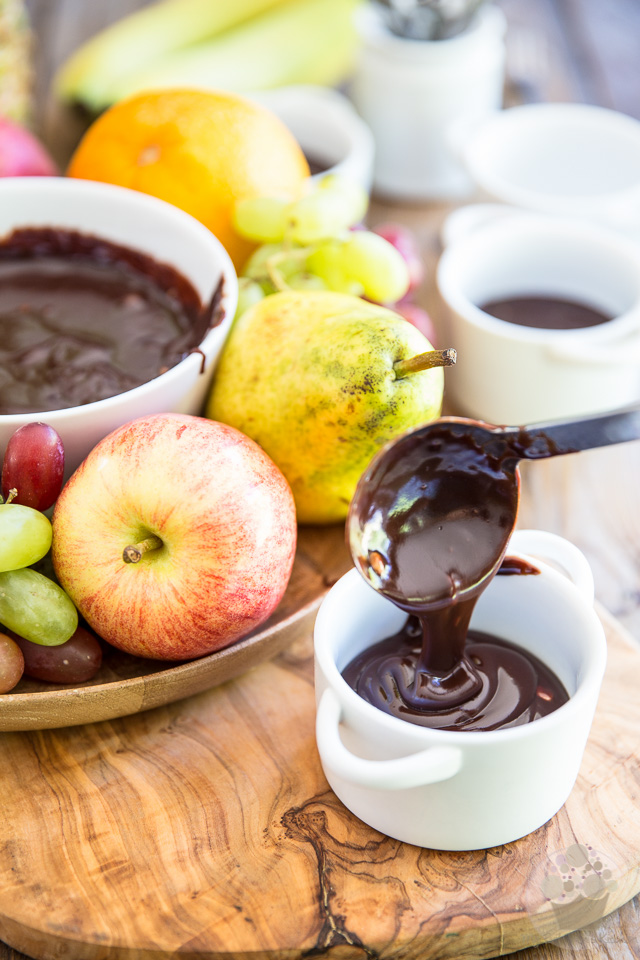 Ready in mere minutes, this heavenly creamy and velvety chocolate fondue doesn't require a fondue set to keep a perfectly smooth, thick and dippable consistency.