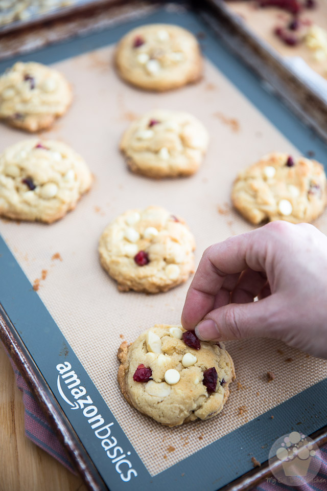 Soft and Chewy White Chocolate Macadamia Cranberry Cookies | Recipe and step-by-step instructions on eviltwin.kitchen