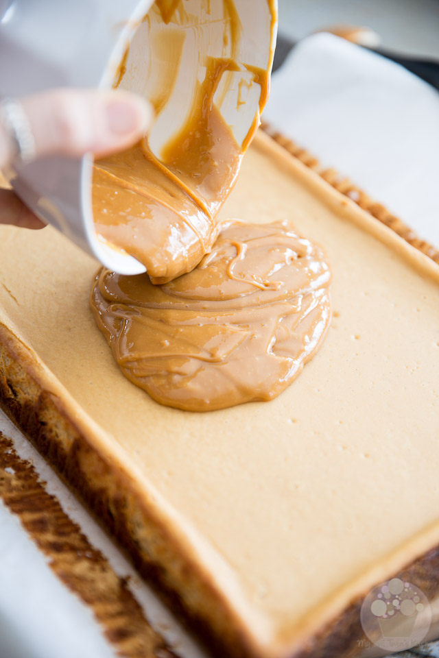 Dulce de Leche Cheesecake Bars by My Evil Twin's Kitchen - Recipe and step-by-step instructions on eviltwin.kitchen
